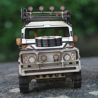 MINI WOODEN MODEL KIT DEFENDER 110