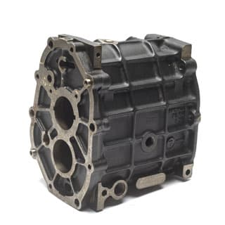 MAIN CASE LT77 MANUAL TRANSMISSION