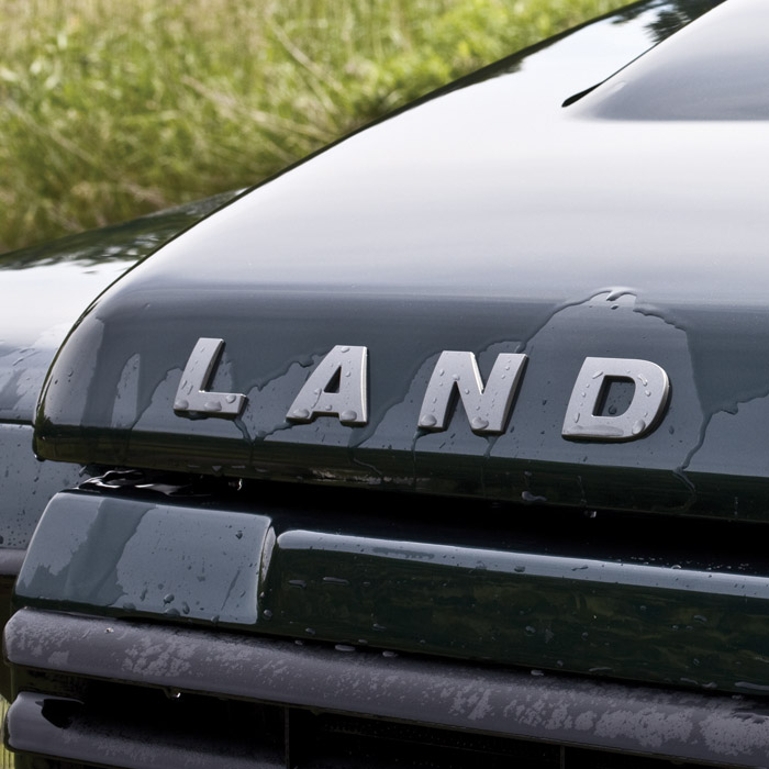 "DECAL ""LAND"" BONNET LR3 BRUNEL METALLIC"