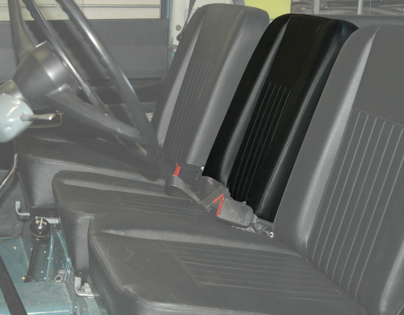 SEAT BACK DELUXE CENTER WITH PINS FOR SERIES - BLACK VINYL