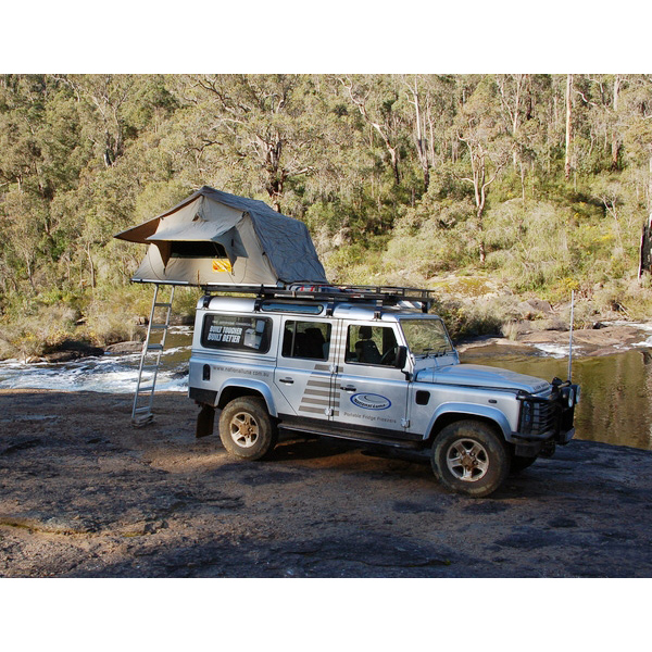 EEZI AWN SERIES 3, 1400 ROOFTENT GREEN