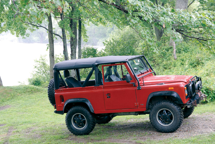 DEFENDER 90 SOFT TOP - SURREY STYLE