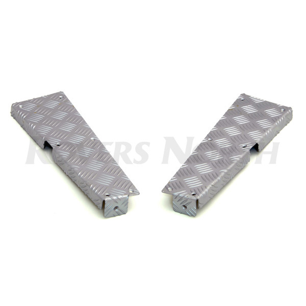 REAR CORNER PROTECTION PLATE SET 5 BAR CHEQUER PLATE DEFENDER 110. SILVER
